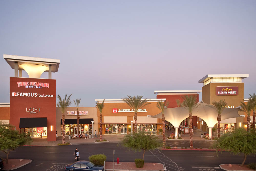 If you're looking for the perfect gift, Las Vegas Premium Outlets - South has something for everyone. Keep the little ones happy (and distracted!) and stop by Toys